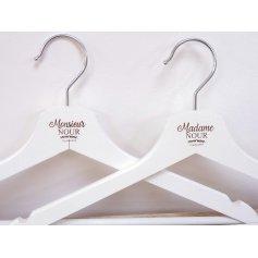 Cintres en bois Mariage Champêtre Blanc Madame Monsieur